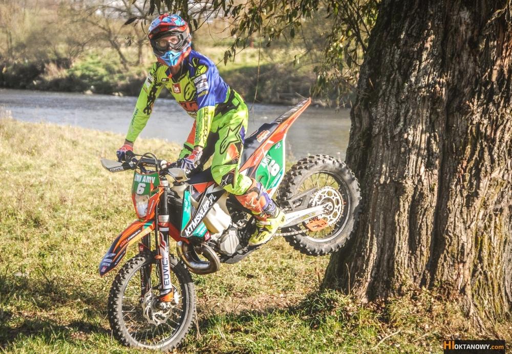 oskar-kaczmarczyk-trening-sesja-foto-ktm-250-exc-tpi-2018-team-ktmsklep.pl-foto-www-hioktanowy.com (29)